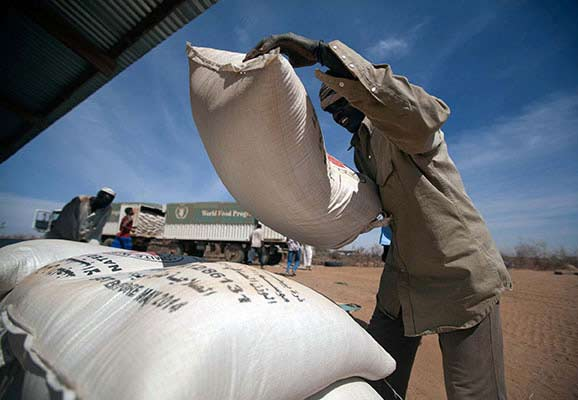 Food aid is delivered in Ethiopia (photo credit: UNAMID)