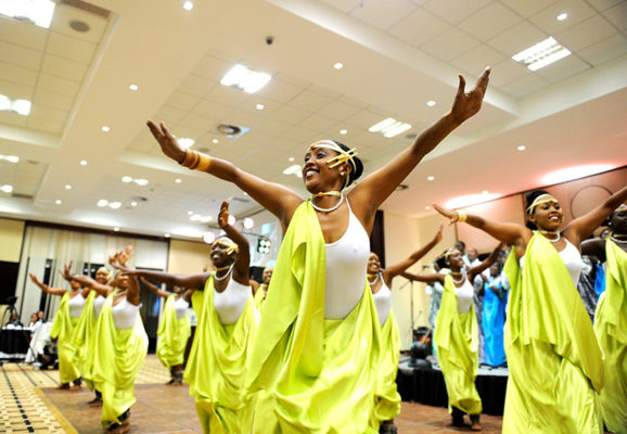 National ballet dancers perform at the Rwanda Uganda Business Forum Dinner - Kigali, 11 October 2013 (Paul Kagame/Flickr)