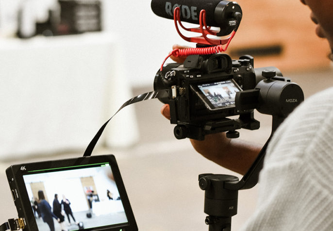 Behind the scenes of videographer Cory of Know Budget Films, Los Angeles (Photo by Allie Smith on Unsplash)