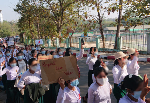 Protest_against_military_coup_(9_Feb_2021,_Hpa-An,_Kayin_State,_Myanmar)_(3) edited
