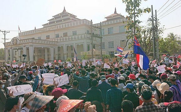 Protest against military coup in Hpa-An, Kayin State, Myanmar, 02/2020 (Photo: Ninjastrikers/Creative Commons)