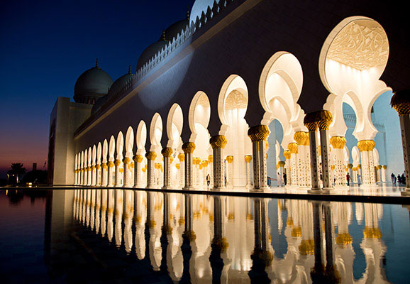 The Sheikh Zayed Mosque in Abu Dhabi, UAE (photo credit: Y. Nakanishi/Flickr)