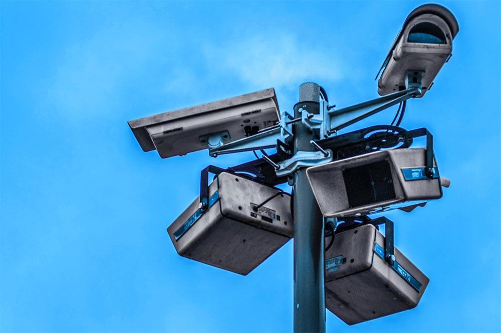 Group of outdoor security cameras (Photo credit: Nathaniel Dahan)