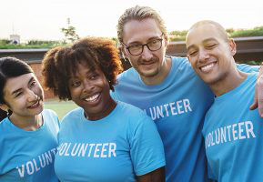 A group of volunteers (Photo Credit: rawpixel.com)