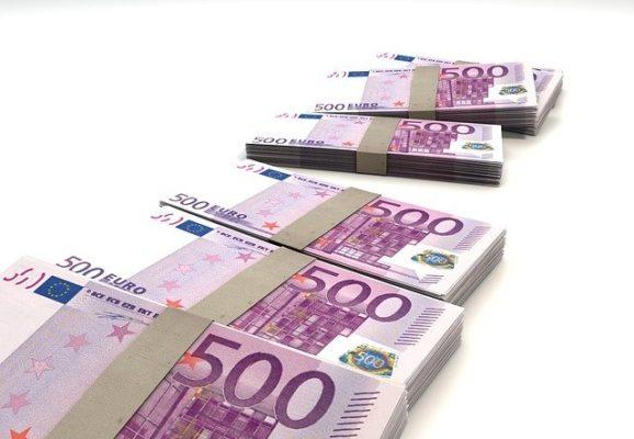 euro bills (photo credit: pixabay.com)