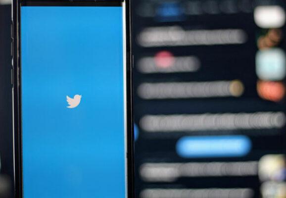 Twitter on mobile phone (credit: unsplash.com)